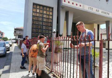 Mascali, i marines di Sigonella riqualificano la ringhiera della chiesa di Carrabba