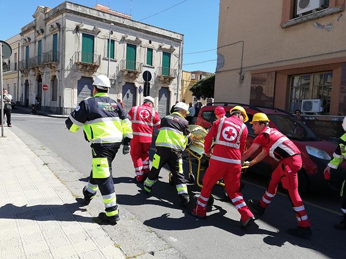 Mascali, simulato terremoto con evacuazione al municipio. Continua l'esercitazione di protezione civile