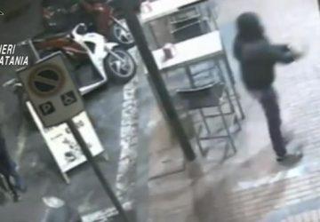 Rapinavano chioschi e tabacchi. Arrestati tre misterbianchesi VIDEO
