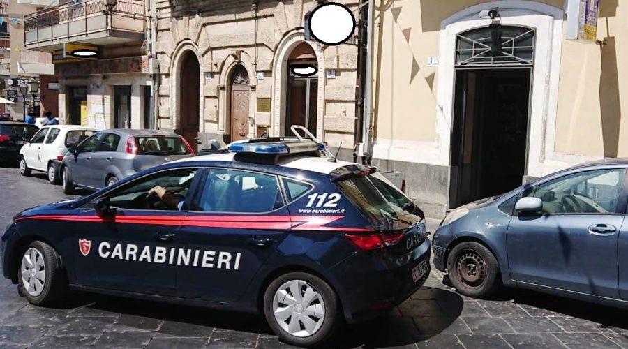 Camporotondo Etneo, picchia la moglie davanti al figlio di 4 anni: arrestato