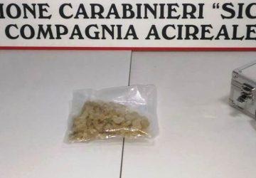 """Acireale, pizzicato con la valigetta piena di """"ecstasy"""": arrestato 34enne"""