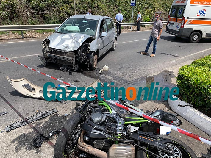 Mascali, terribile scontro auto-moto sulla Ss 114: tre feriti VIDEO