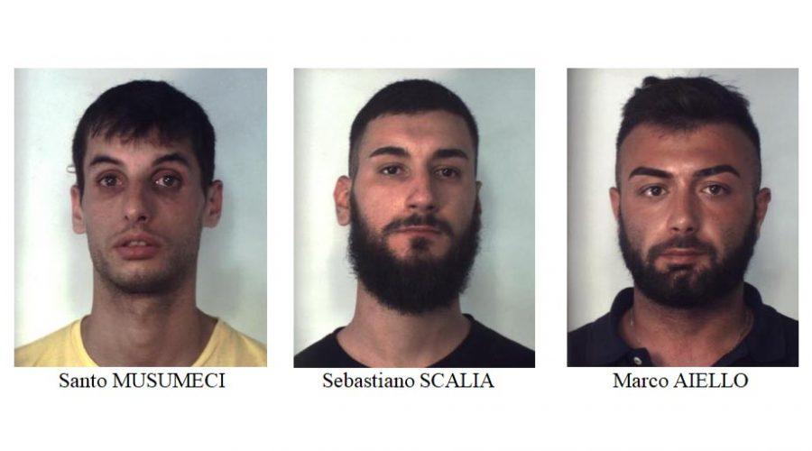 Catania, beccati con crack e cocaina: arrestati in tre