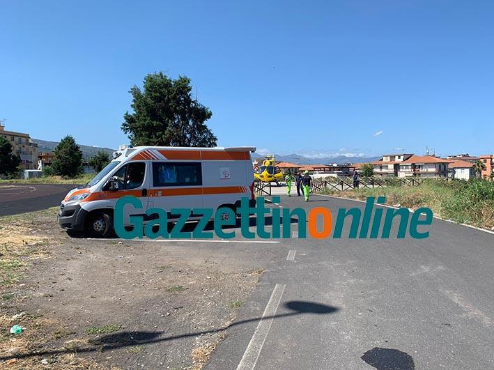 Giarre, donna investita da un'auto a Macchia. Intervento dell'elisoccorso VIDEO