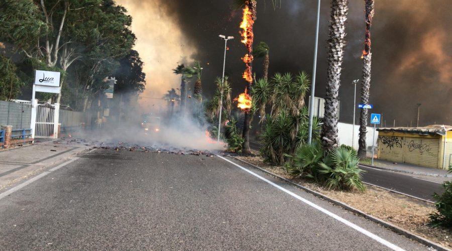 Inferno di fuoco a Catania, la conta dei danni. Attivi altri 5 focolai