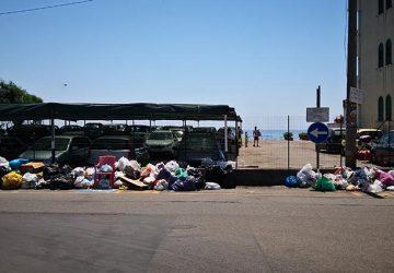 Fondachello e S.Anna periodicamente invase dai rifiuti. Come risolvere il problema?
