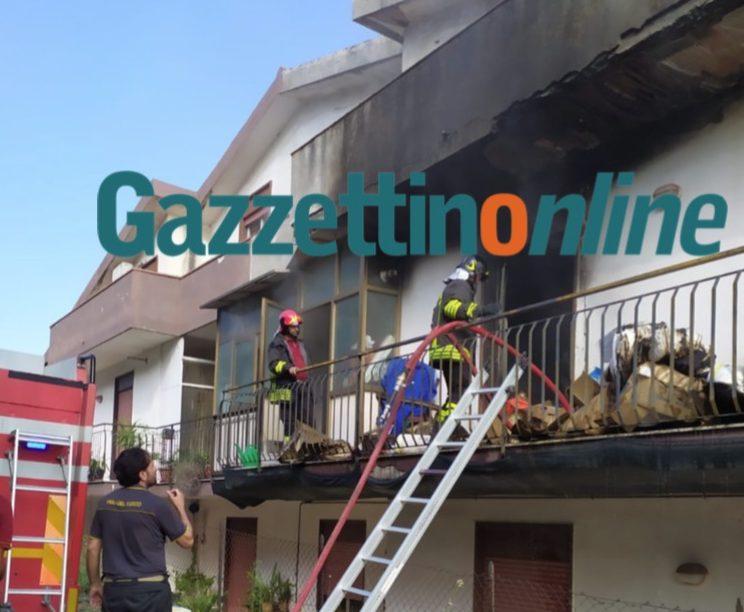 S.Alfio, divampa incendio in una abitazione. Intervento dei vigili del fuoco