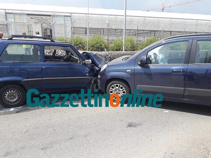 Riposto, scontro frontale tra due auto: intervento dell'elisoccorso