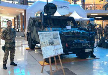 L'Esercito si mostra al Paese. Successo di visite nel parco commerciale di San Giovanni la Punta