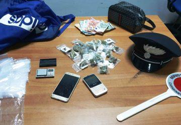 Catania, padre, figlio e complice spacciavano droga in via Timoleone