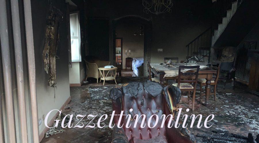 Macchia di Giarre, divampa incendio in una casa a causa di un fulmine. Ignoti hanno effettuato anche un furto VD