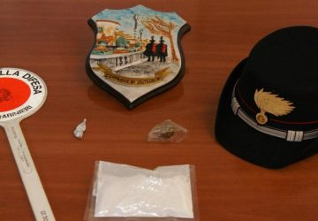 Caltagirone, con la cocaina ad un posto di controllo: arrestato