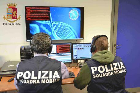 Ragusa, madre e figlio catanesi specialisti in rapine