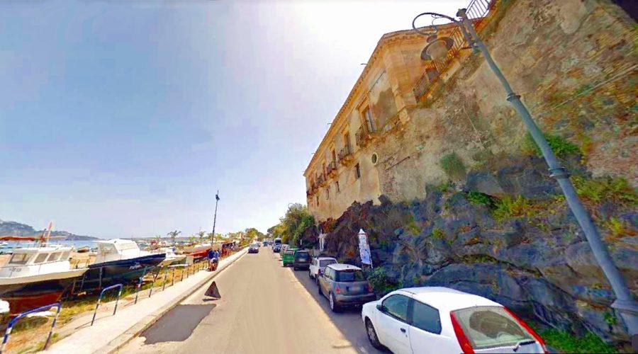 """Giardini Naxos: «Non dimentichiamoci di quando ci chiamavamo """"Schisò""""»"""