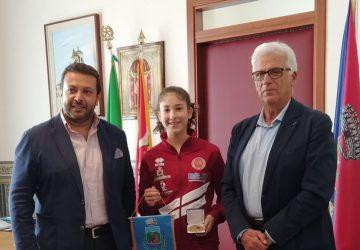 Santa Venerina: la giovane atleta Miriam Longo premiata per il suoi meriti sportivi e scolastici