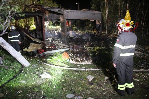 Esplosione in un deposito di fuochi d'artificio nel Messinese: 5 i morti