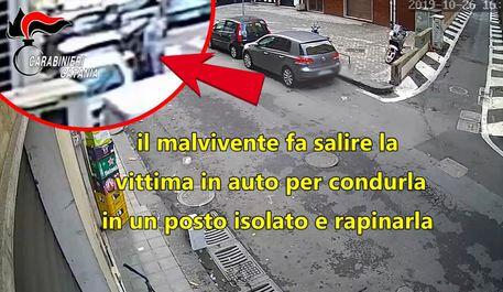 Catania, sequestra anziana per rapinarla: arrestato VIDEO