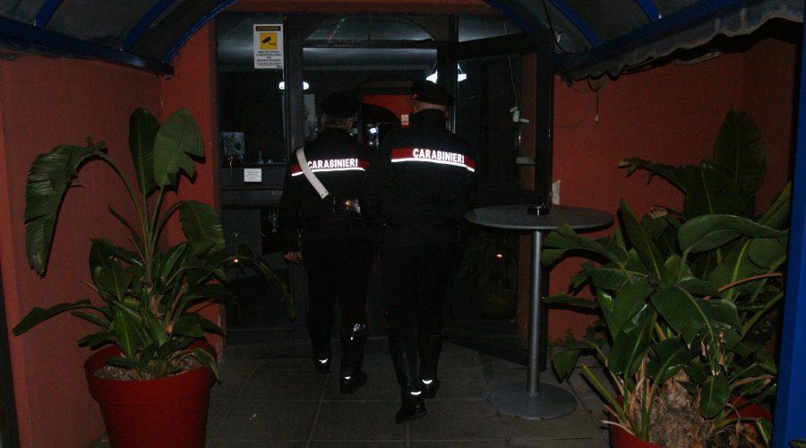Aci Sant'Antonio, carabinieri e Asp chiudono un noto night club