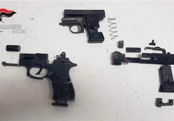 Acireale, carabinieri trovano diverse armi sotterrate. Indagini del Ris