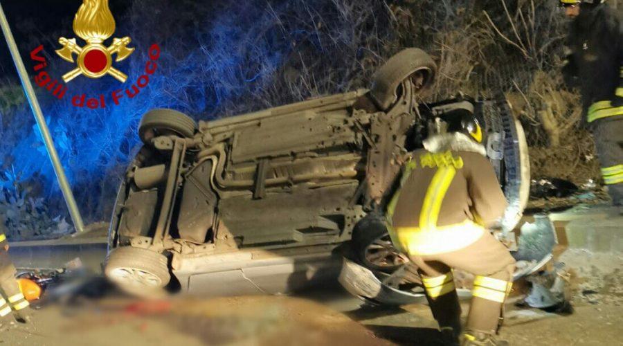 Catania, grave incidente in Tangenziale. Auto si ribalta: intervento dei Vigili del fuoco