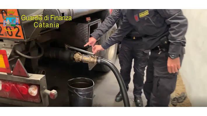Catania, sequestrato gasolio adulterato per 50.000 litri: 4 arresti e 2 denunce VIDEO