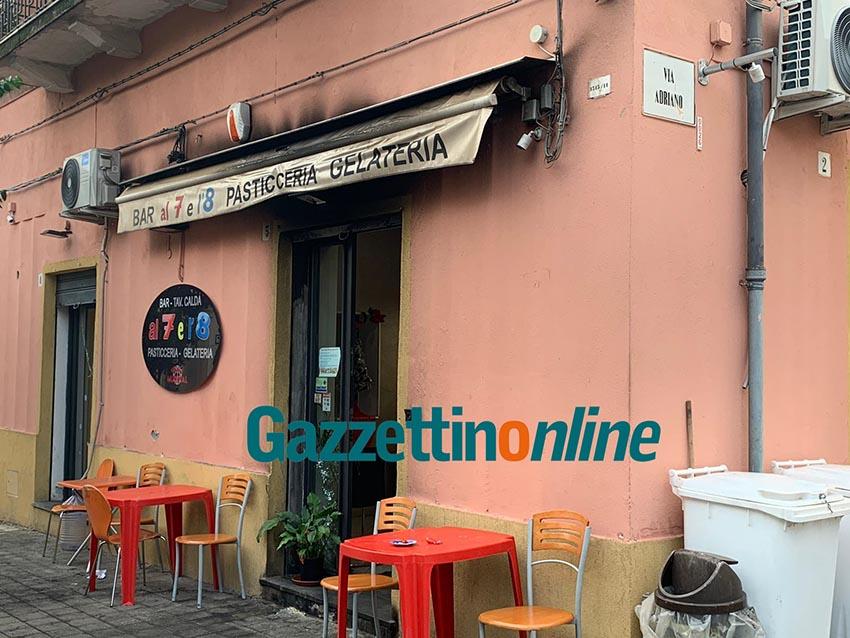 Mascali, atto intimidatorio ad un bar di piazza Dante: a fuoco la saracinesca