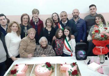 Bronte ha festeggiato i 107 anni di nonna Lucia Castiglione
