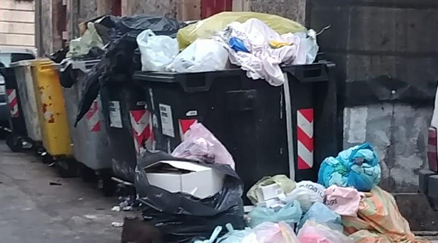 Raccolta rifiuti a Catania, gara deserta: la preoccupazione di Legambiente