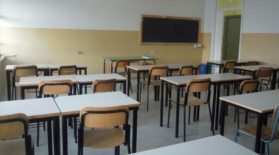 Catania, controlli antidroga nelle scuole: pizzicato studente-spacciatore