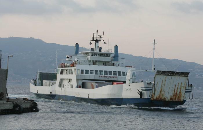 Truffa e frode alla Caronte & Tourist: sequestrati beni per 3,5 mln e 3 traghetti non sicuri VIDEO