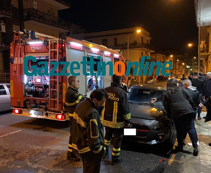 Giarre, a fuoco l'auto del nipote del consigliere Valenti. E' un atto doloso VIDEO