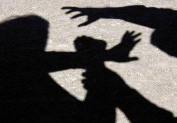 Catania, picchiano compagne di scuola e filmano tutto: denunciate due ragazzine di 14 e 11 anni VIDEO