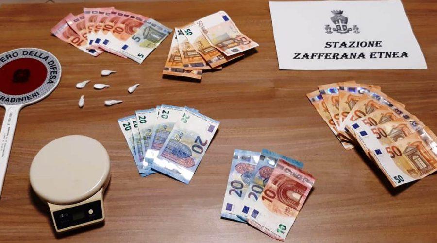Zafferana, pusher ricevevano i clienti a domicilio: due denunciati