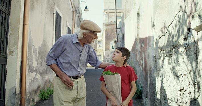 """Al cinema """"Lo scoglio del leone"""", film girato a Santa Maria la Scala VIDEO"""