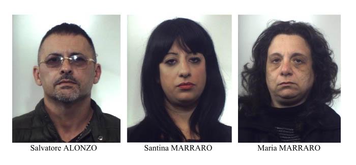 Badante con l'aiuto di sorella e cognato estorce denaro all'ex datore di lavoro: arrestati