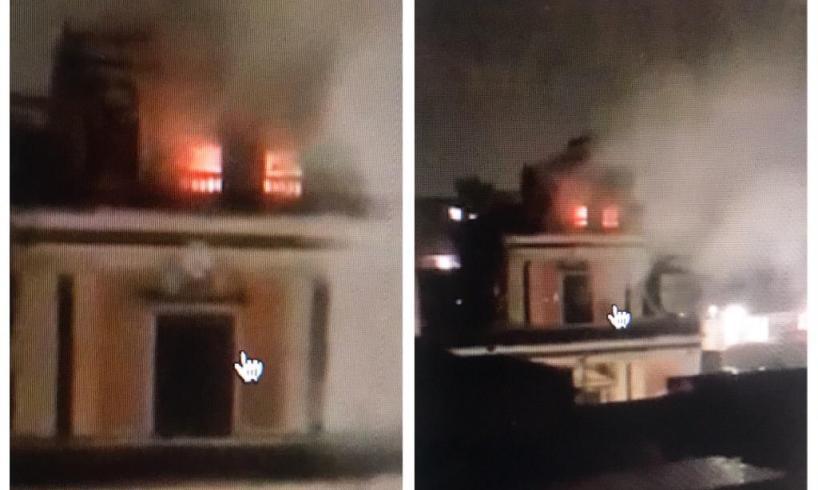 Mascalucia, fulmine causa incendio sul campanile della chiesa di San Vito: intervento dei vigili del fuoco