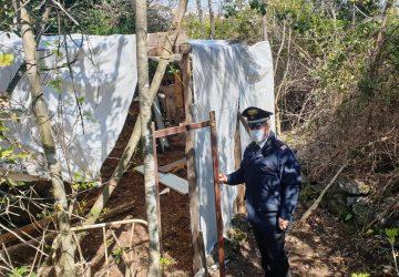 Acireale, carabinieri scoprono baracca abusiva per la Pasquetta