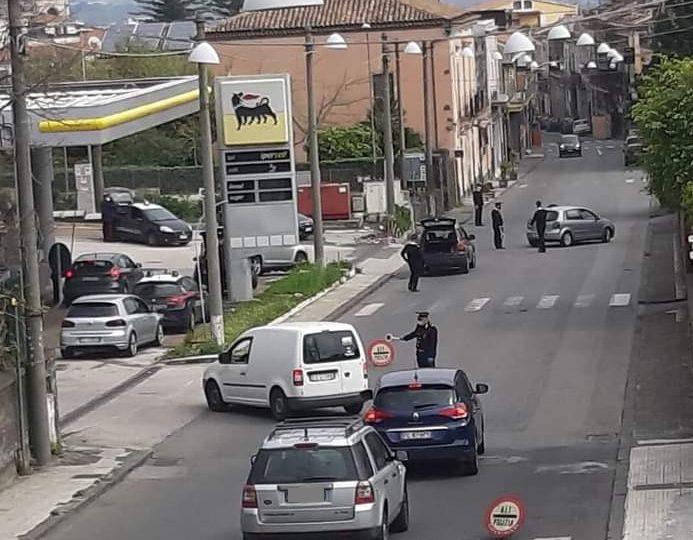Giarre, controlli a tappeto lungo il viale Sturzo. 150 veicoli fermati, 22 sanzionati