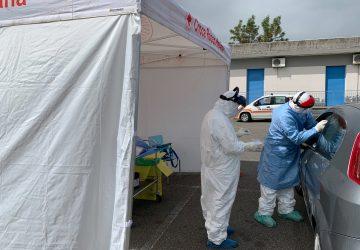 Giarre, oggi pomeriggio altri 50 tamponi nell'area esterna dell'ospedale