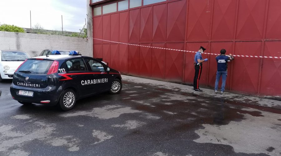Giarre, carabinieri del Noe sequestrano capannone industriale. Tre denunciati