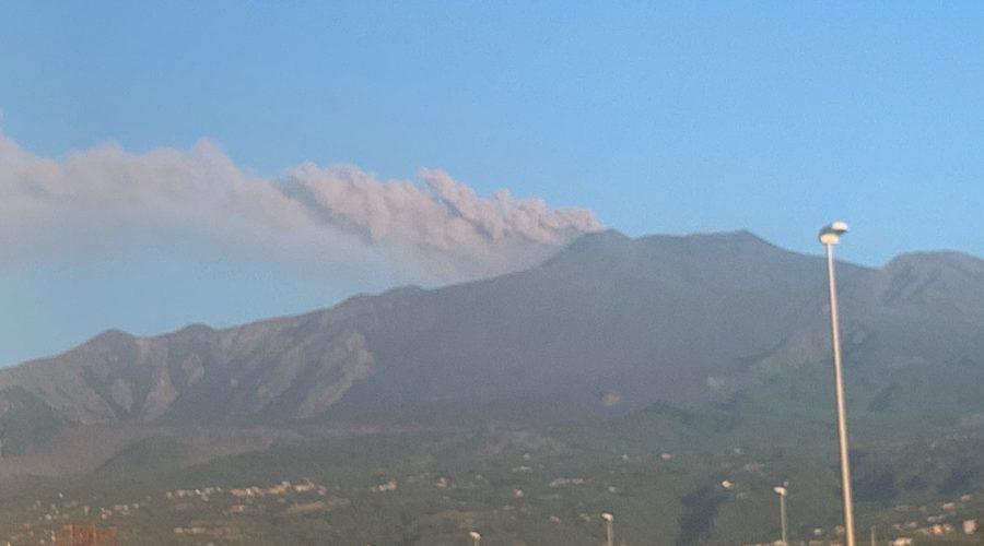 Etna, al via nuova fase stromboliana al nuovo cratere di sud est