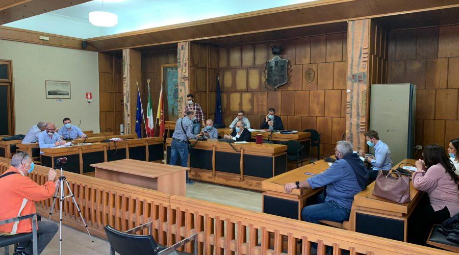 Giarre, primo acceso Consiglio comunale della Fase 2