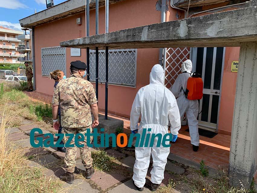 """Giarre, i militari della Brigata """"Aosta"""" bonificano gli uffici pubblici"""
