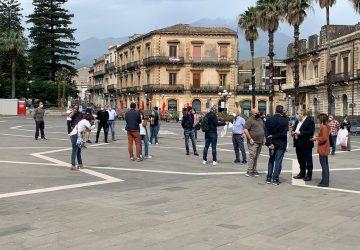 Giarre, manifestazione di Confcommercio in piazza Duomo. Domani sindaco incontra ristoratori VIDEO