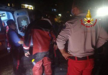 """Catania, sommozzatori dei vigili del fuoco """"catturano"""" un ladro"""