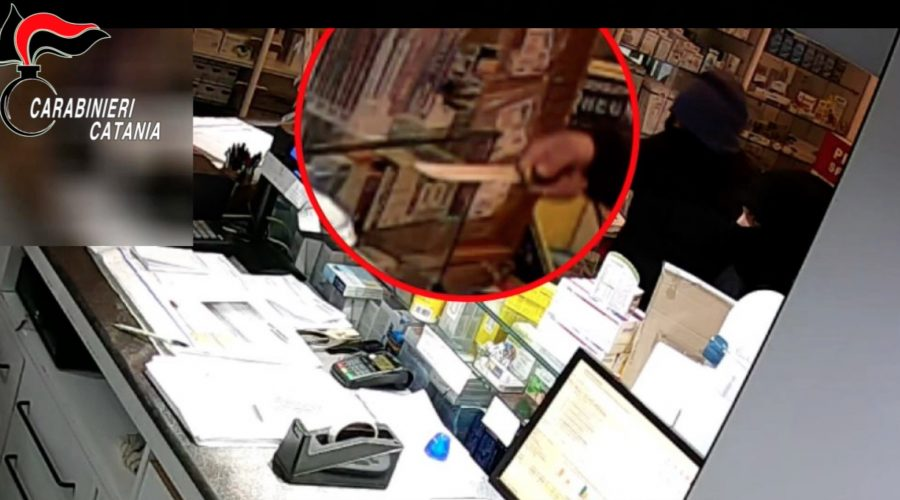 Paternò, era diventato il terrore degli esercenti: fermato un rapinatore minorenne
