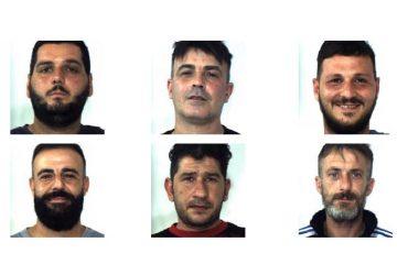 Operazione dei CC nelle campagne: arrestati 6 razziatori catanesi FOTO