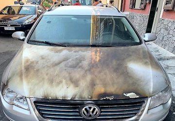 Biancavilla, da fuoco all'auto della ex: denunciato 20enne di Adrano
