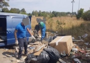 Catania, rifiuti scaricati in Oasi del Simeto: due deunciati