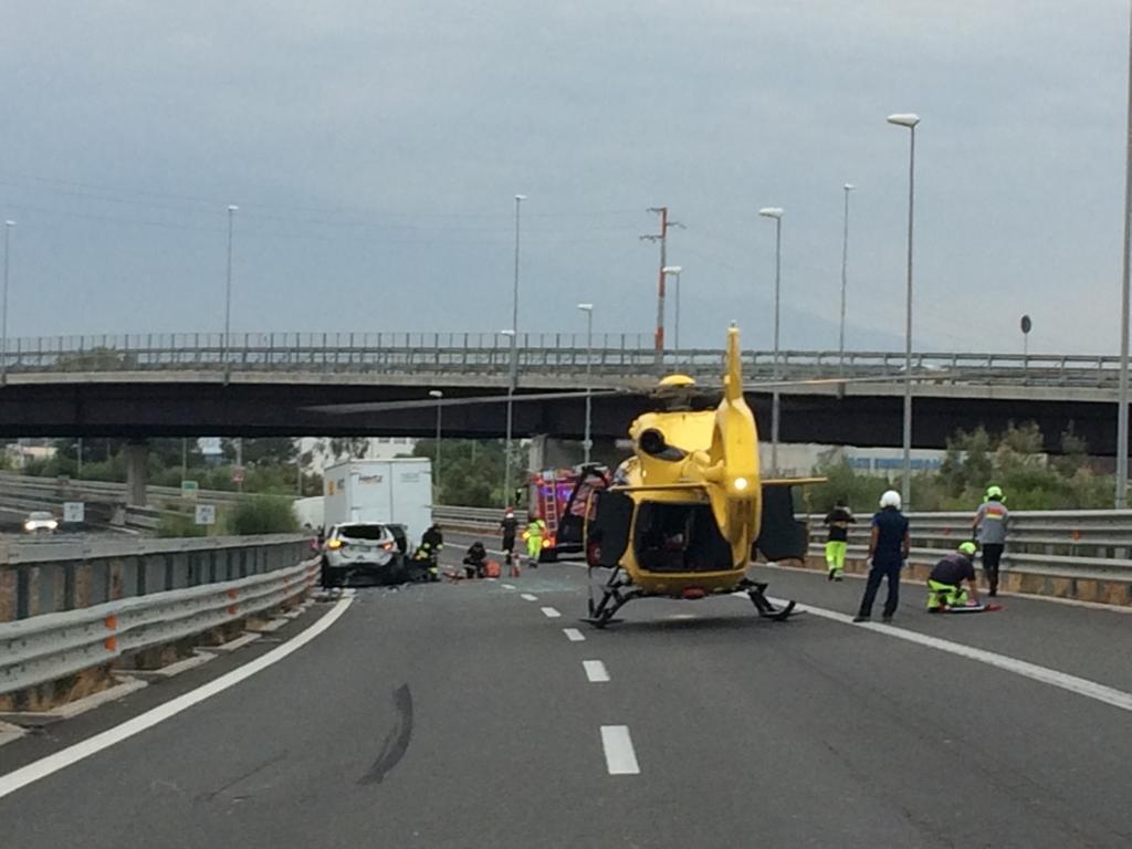 Incidente sulla Catania Siracusa, atterra elisoccorso
